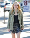 Dakota Fanning / Michael Sheen - Imagenes/Videos de Paparazzi / Estudio/ Eventos etc. - Página 2 A8c646105442713