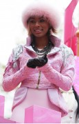 "Nov 25, 2010 - Keri Hilson - ""Macy's Thanksgiving Day"" 84th Annual Parade In NYC 731f47108236018"