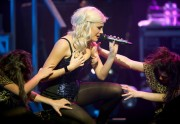 Nov 24, 2010 - Pixie Lott - The Crazycats Tour Dd241f108402121