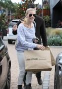 Nov 28, 2010 - LeAnn Rimes - Shopping in Malibu 307f1b108688112