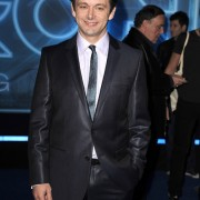 Dakota Fanning / Michael Sheen - Imagenes/Videos de Paparazzi / Estudio/ Eventos etc. - Página 2 Caabf5110583200