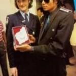 1985AUSTRALIA:Perth'sTelethon-Black Shirt, Blue  52b68c116595271