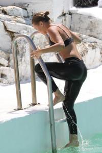 Алисса Смит, фото 177. Lara Bingle at the Bondi Icebergs Club - 11/10/11, foto 177